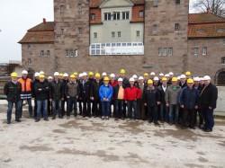 Gut 40 Teilnehmer bekamen tiefe Einblicke in den Bau der Mindener Weserschleuse.