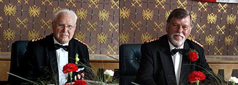 Aufgrund ihres unermüdlichen Einsatzes wurden Klaus Holthaus (rechts) und Erwin Stuhlert (links) die höchste Auszeichnung des Mindener Bürgerbataillons zuteil.
